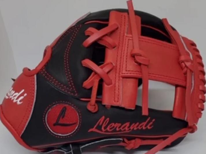 Llerandi Custom Gloves